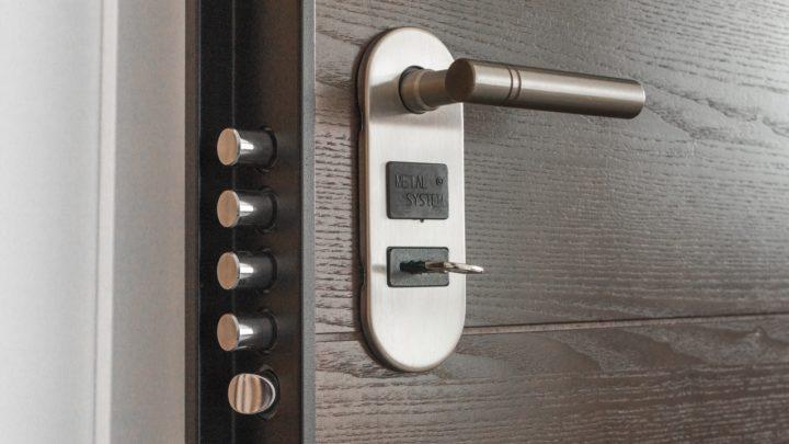 Connaissez-vous les différents types de serrures de porte?